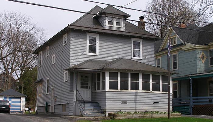 Syracuse_NY_433_Westcott_St_photo_S_Gruber_2014-(30)