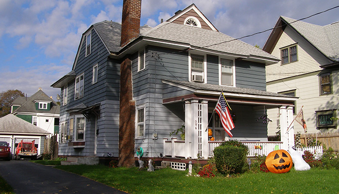 20-Syracuse_NY_506_Allen_St_photo_S_Gruber_Oct_2011