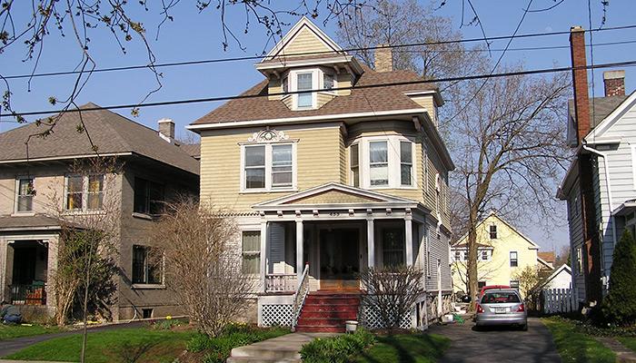 26aSyracuse_NY_455_Allen_St_photo_Sam_Gruber-5-11-2005-2-58-09-PM