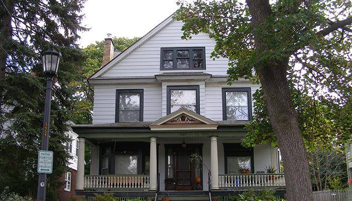 44-Syracuse_NY_137_Cambridge_photo_S_Gruber_Oct_2011