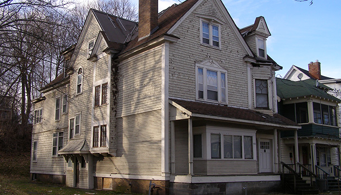 44-Syracuse_NY_Stickley_Hse_Columbus_Ave_photo_S_Gruber_Feb_2012-(7)