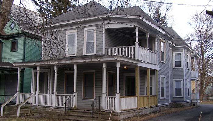 48-Syracuse_NY_539_Columbus_Ave_photo_S_Gruber_Feb_2012