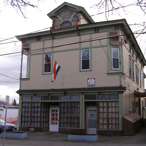 56-Syracuse_NY_120_Dell_St_photo_S_Gruber_Feb_2012