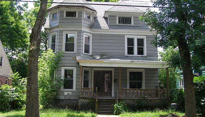 03-Syracuse_NY_108_Avondale_Pl_photo_S_Gruber_June_2012-(1)