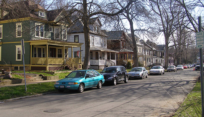 09a-Syracuse_NY_Greenwood_Pl_photo_S_Gruber_May_2007-(11)